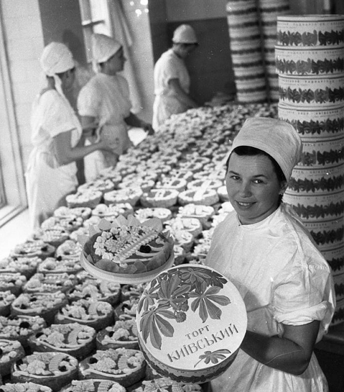 1965, Karl Marx sweets factory by Iryna Pap 5 - SEE KYIV