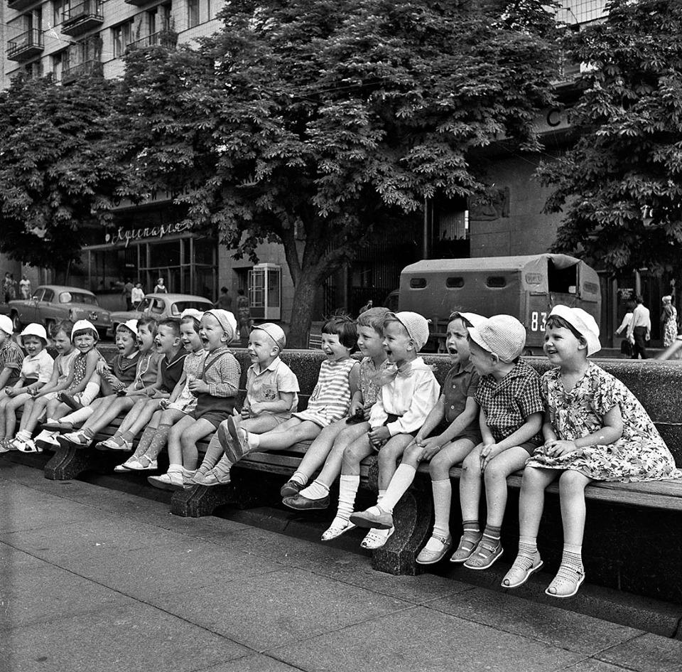 1965, kids on Taras Shevchenko blrd - Iryna Pap - SEE KYIV