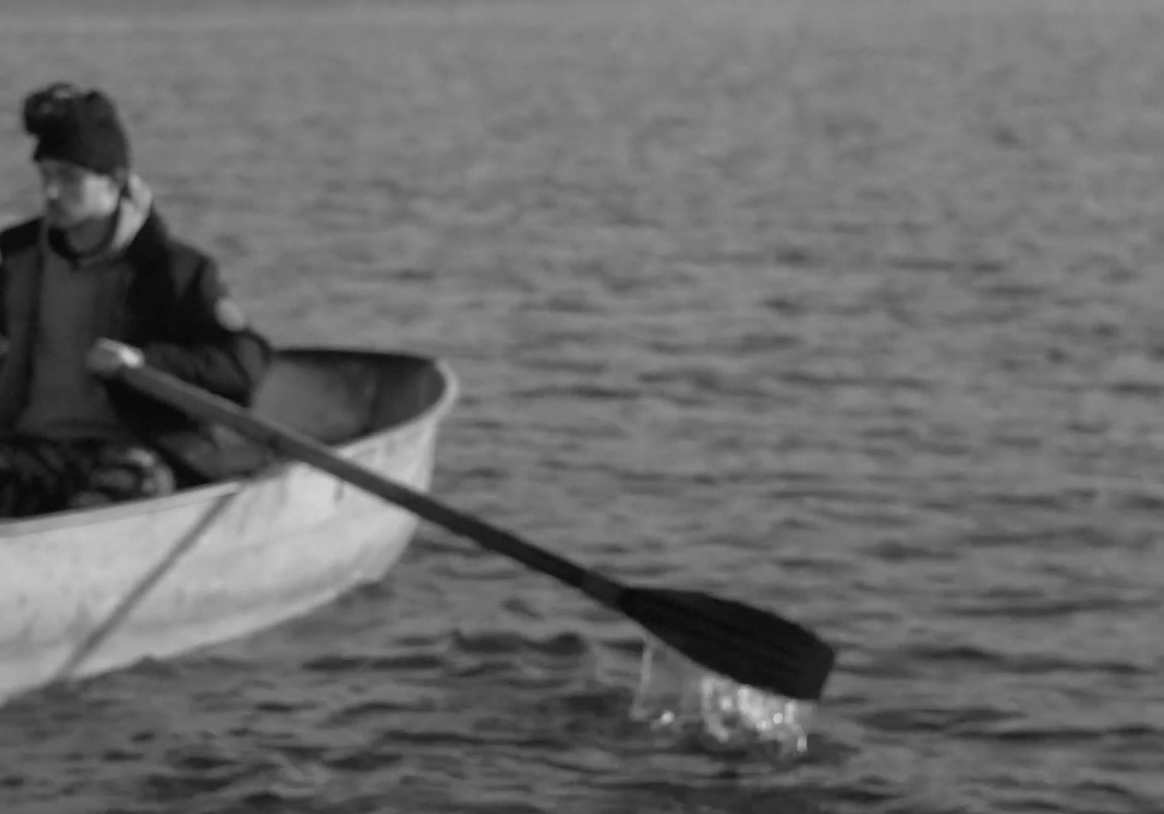 the pop singer Khayat on a boat in Hydropark